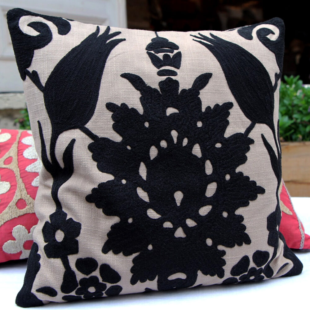RH2-0002-TT-embroidered-pillow-square