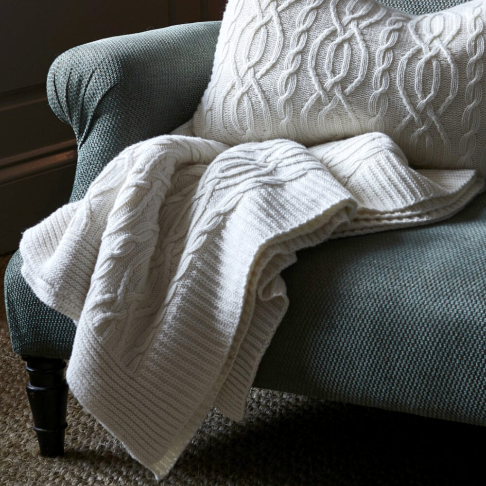 cable-knit-lambswool-throw-ivory-square-0001