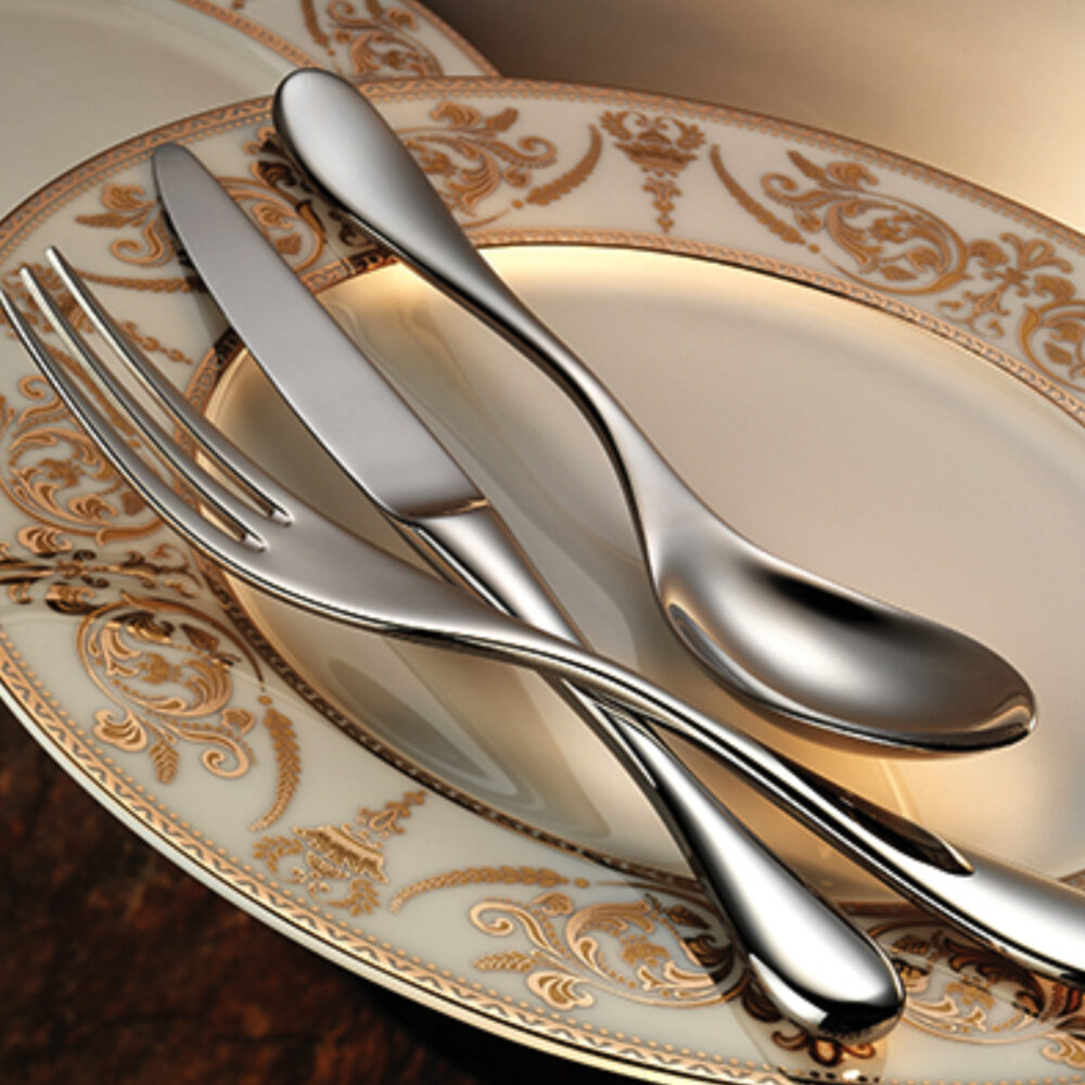 aura-flatware-collection-lifestyle