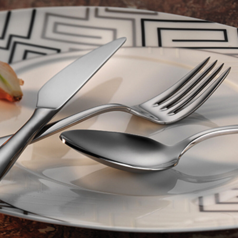 flamingo-flatware-collection-lifestyle