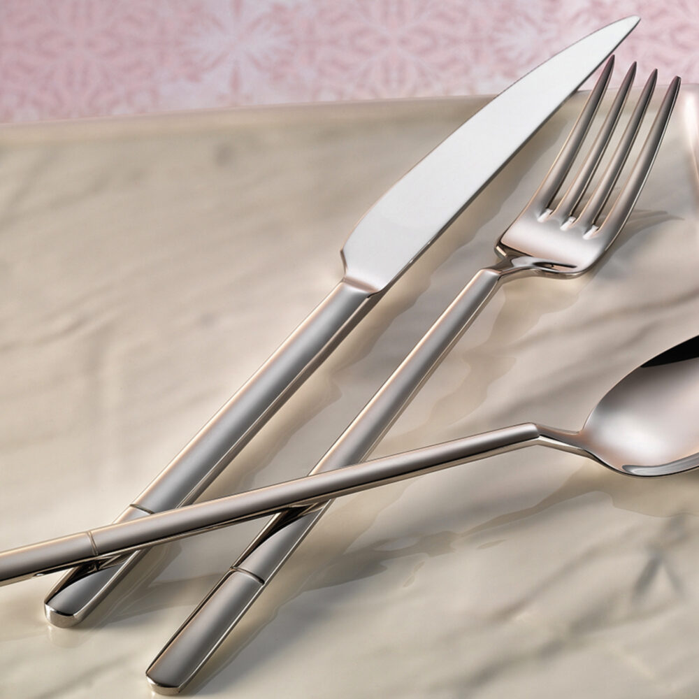 le-select-flatware-collection-lifestyle