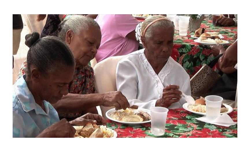 Comer en exceso en Navidad perjudica la salud de los mayores
