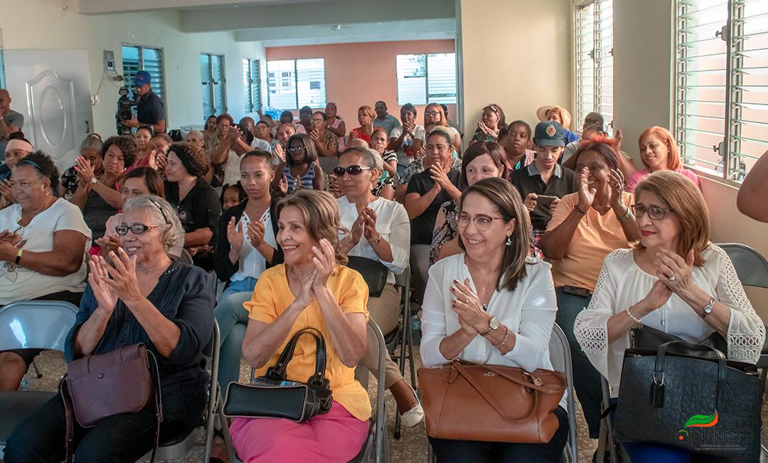 Las mujeres del 30 de enero y los candidatos a alcaldes