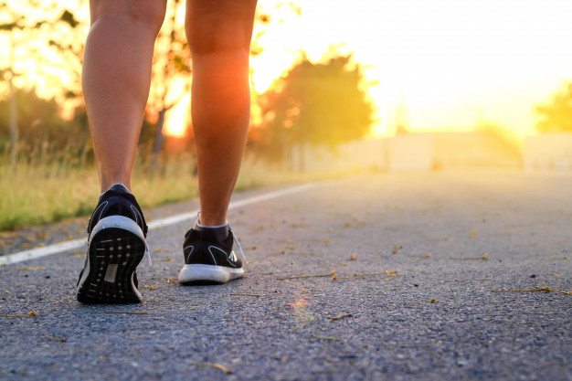 ¿Sales a caminar cada día? No bajes la guardia y protégete del sol en tus paseos