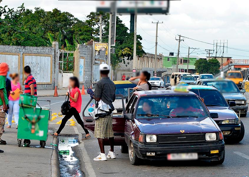 Suben el precio del transporte con la excusa del distanciamiento, pero sigue el hacinamiento
