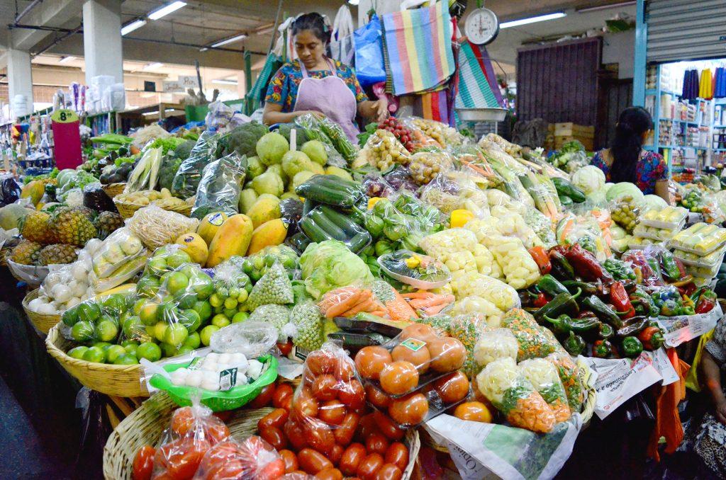 FUNDECOM Propone al gobierno aplicar transitoriamente la ley 79, del 28 noviembre 1974, para fijar precios productos primera necesidad en base a análisis de costos y la ley 108-13 que crea La Red Nacional Alimentaria (Rena)