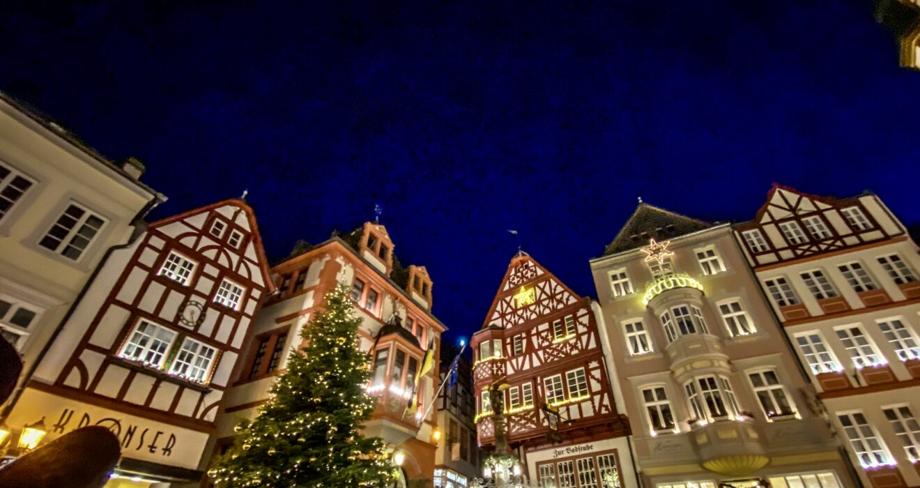 Handy Dandy Guide to Christmas Markets in Europe!
