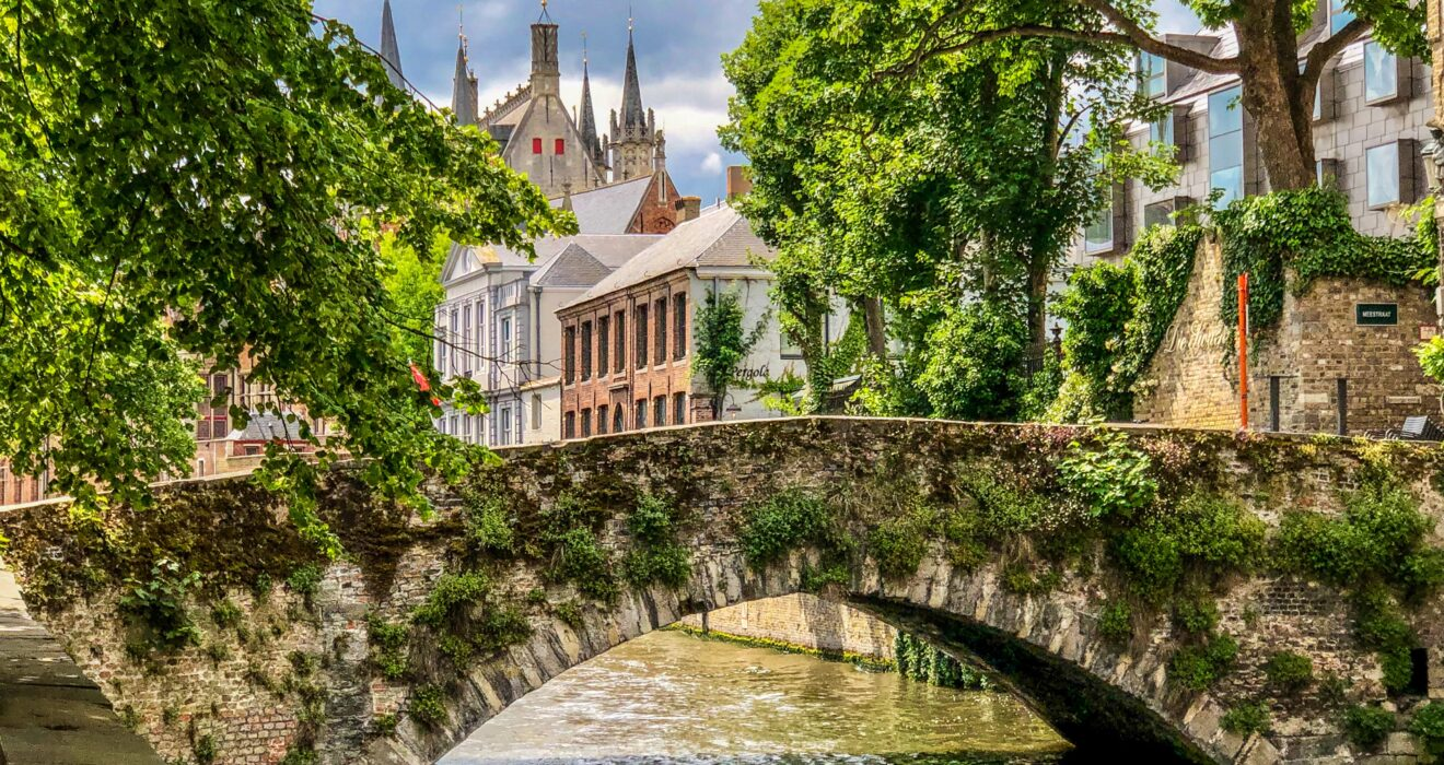 Photo Tour of Bruges Belgium that Will Inspire Your Next Vacation