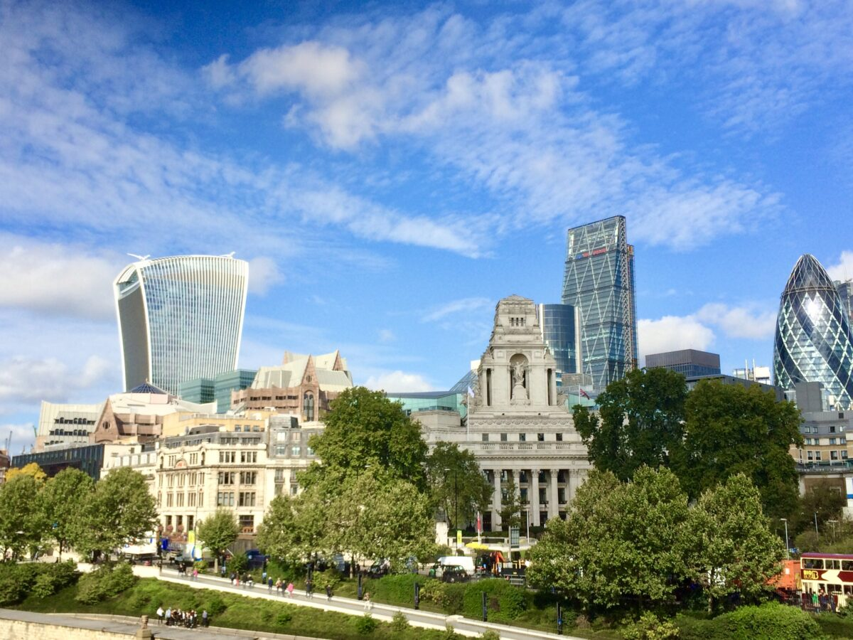 London Walking Tour of Top Attractions & Neighborhoods, Maps Included