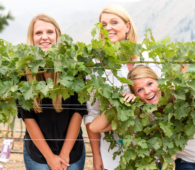 Rocky Pond Winery Owner, Michelle Dufenhorst & Daughters