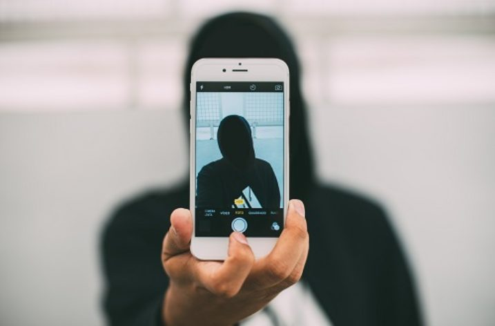 Why iPhone users are more likely to join ISIS than those who eat falafel
