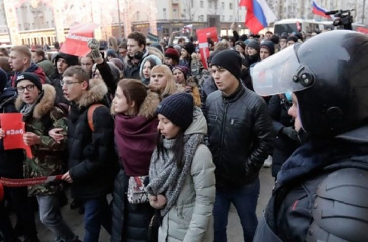 Crackdown on opposition activists ahead of Russian presidential elections