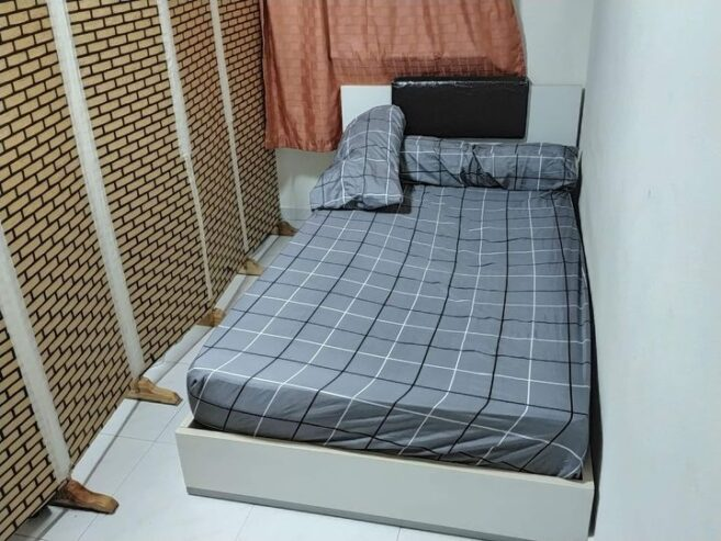 Looking-for-MALE-professional-Room-sharing