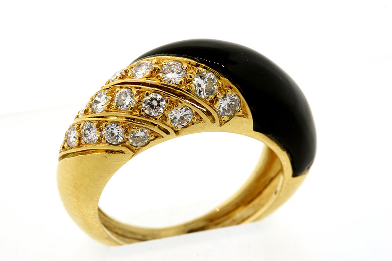 Van Cleef & Arpels 18k gold onyx diamond ring