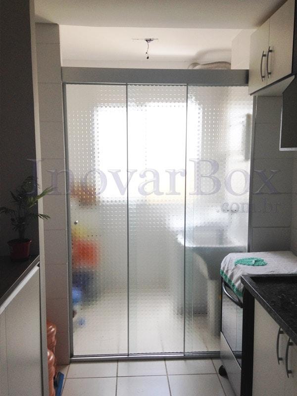 fechamento-da-area-de-servico-vidro-quadrato-versatik1-min