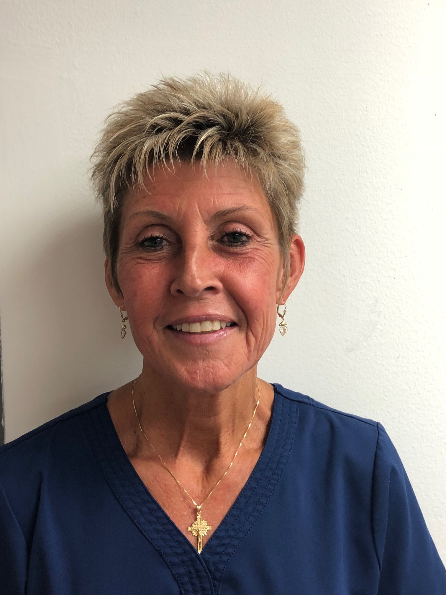 Karen-Tangen-advance-physical-therapy-office-manager