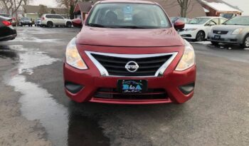 2016 Nissan Versa SV full