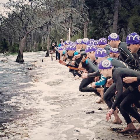 Clermont-2015-beach-swim-start