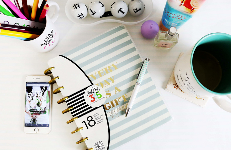 Clean Vs. Chaos: What Does Your Desk Say About You?