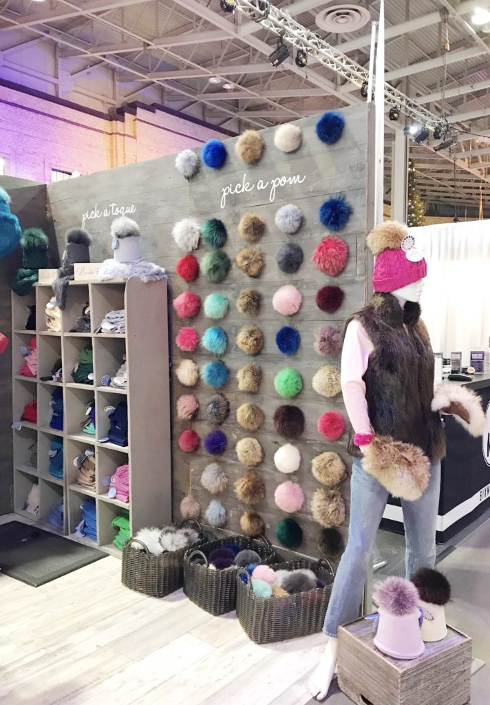 Customizable Toques & Pom Poms From Lindo F