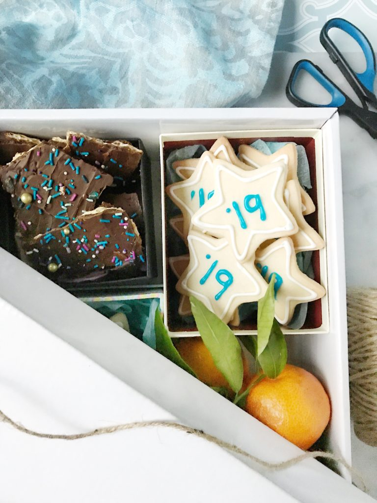 New Year's Eve Cookie Box