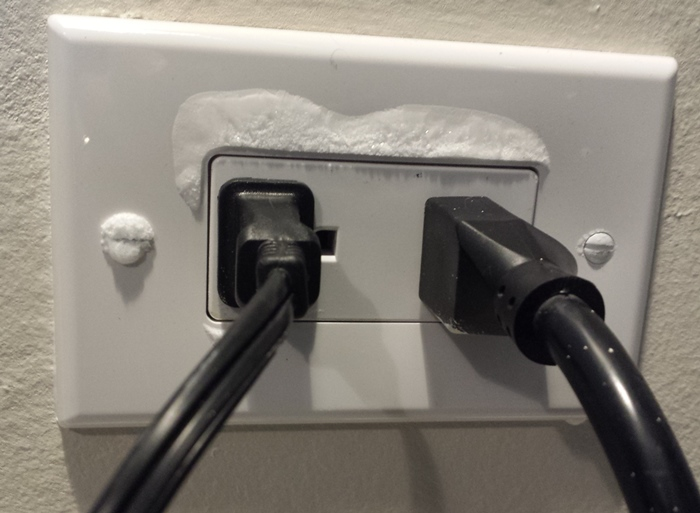 frozen-outlet