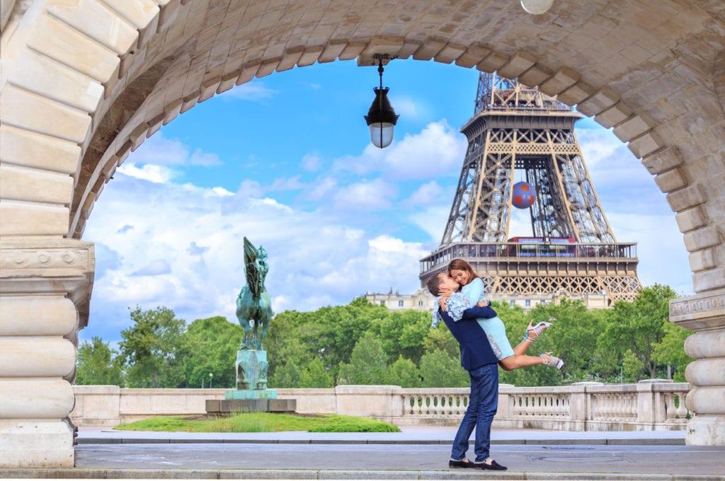 Paris Bir Hakeim Bridge