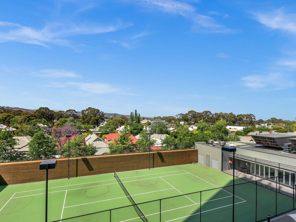 Tennis Court Apartment