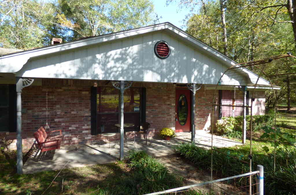 2076 COUNTY ROAD 4789 – TIMPSON – $193,500 – MLS#2195625