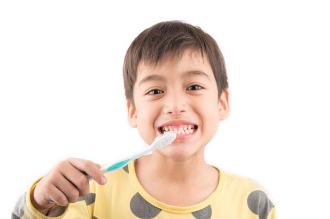 child brushing his teeth 3