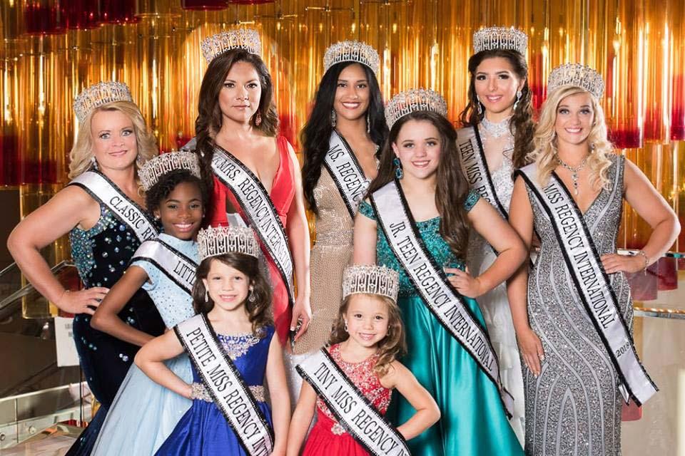 Christmas Beauty Pageant Outfits.South Dakota Regency International Beauty Pageant