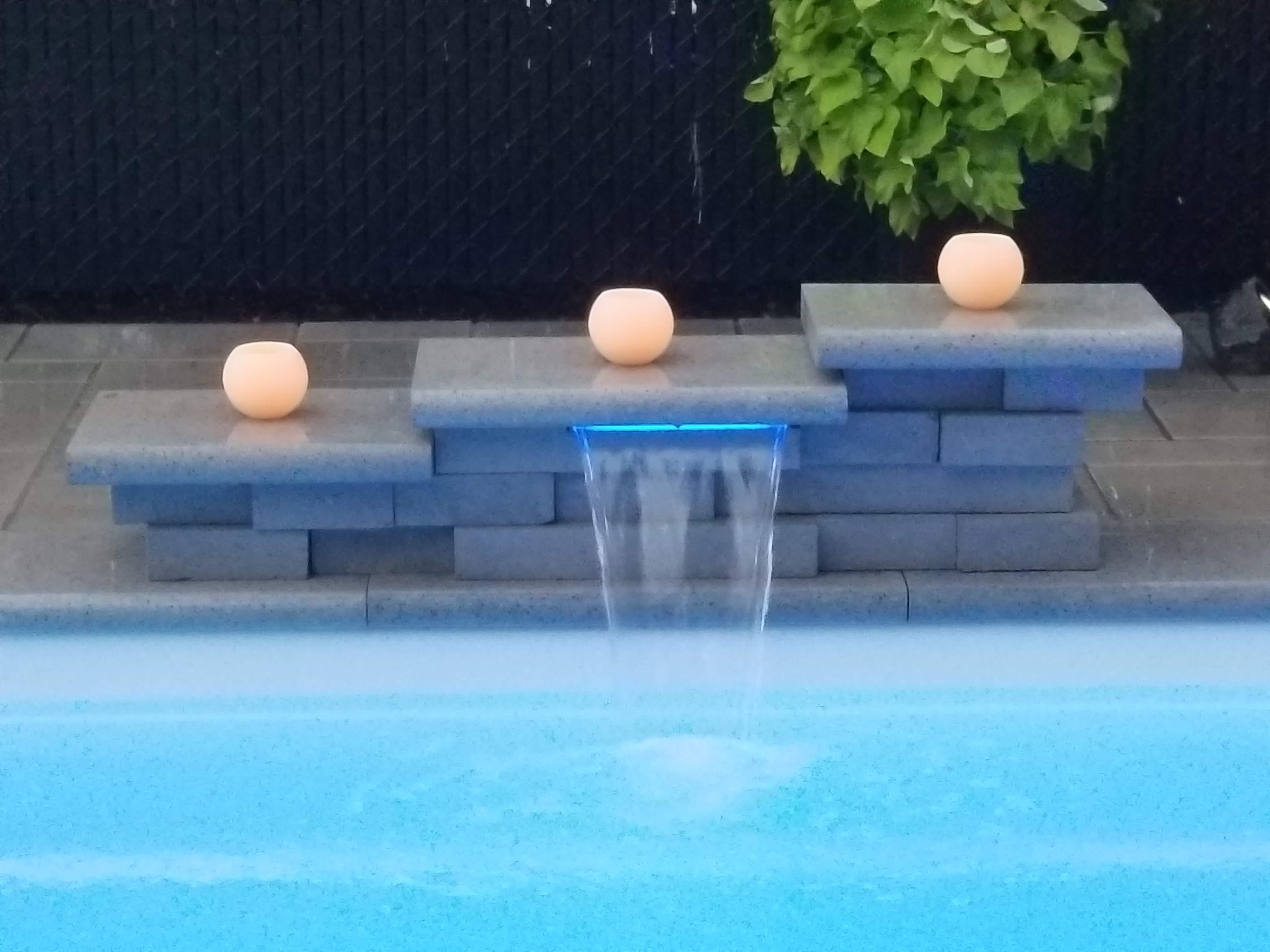 cascade d'eau piscine