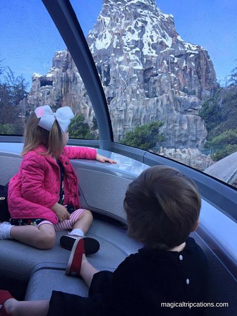 top 6 things we love about Disneyland, Disneyland is compact