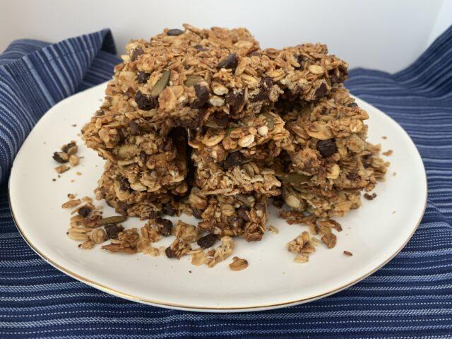Chocolate-Quinoa Granola Bars
