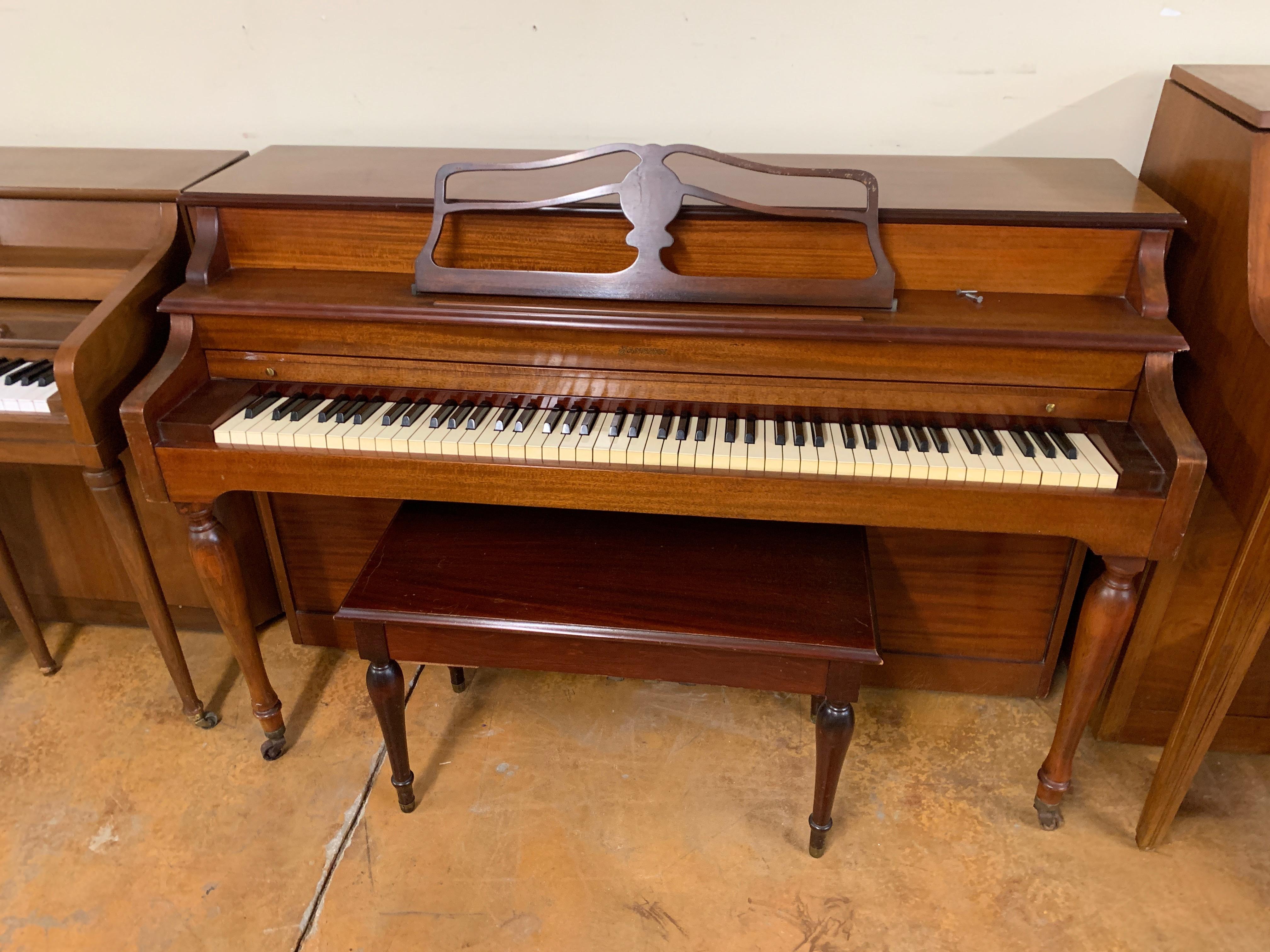 Janssen Console Piano