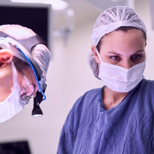 Entenda a importância e a função da Instrumentadora Cirúrgica