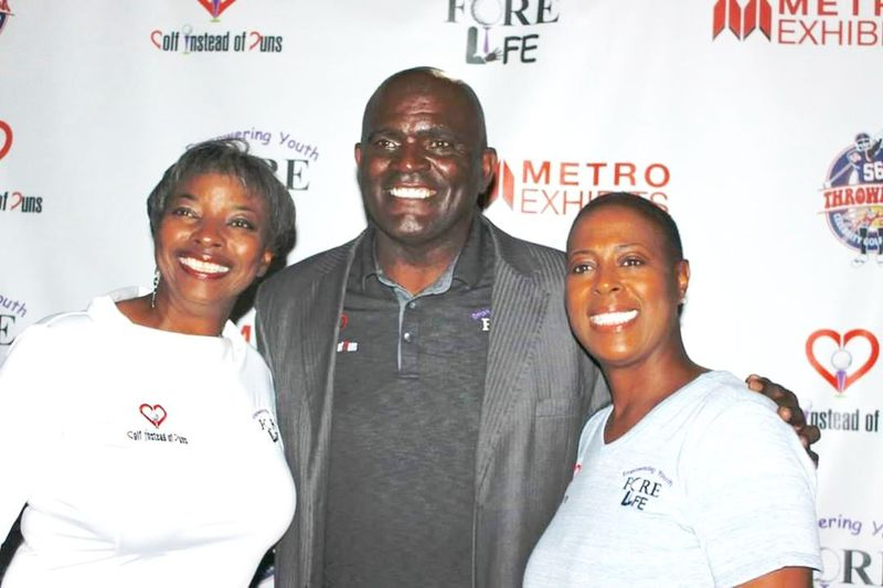 Gridiron fans and players hit the links for Fore Life Inc. charity