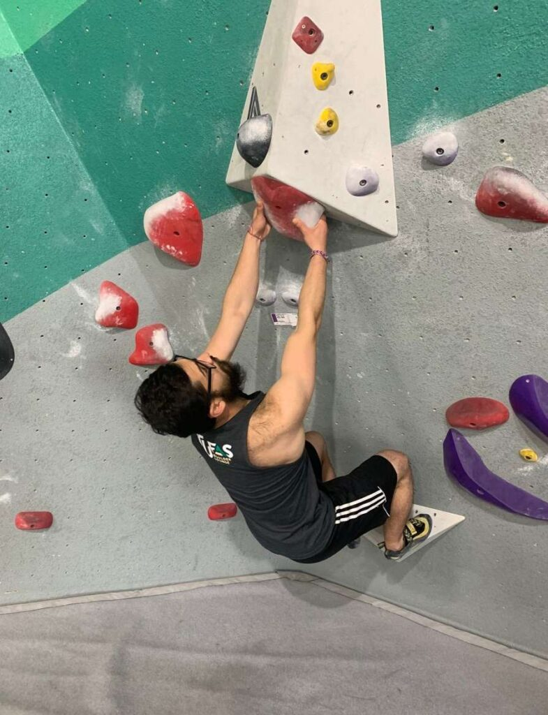 Bouldering with straight arms can really help your climbing stamina, muscle recruitment, and overall technique.