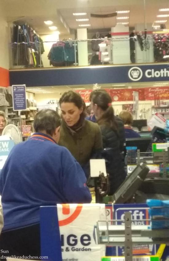Kate Middleton Completes Last Minute Christmas Shopping