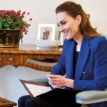 Kate Middleton in Blue Zara Blazer for International Day of the Midwife