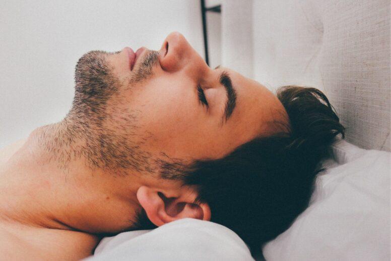 man sleeping apnea