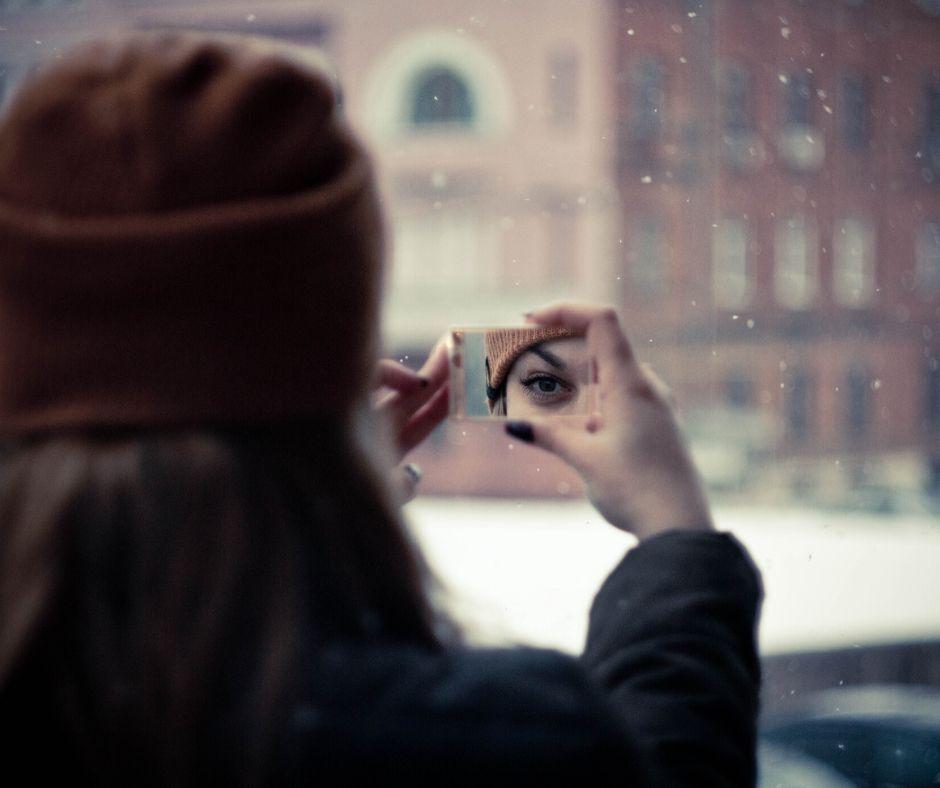 woman in mirror autoimmune disorder
