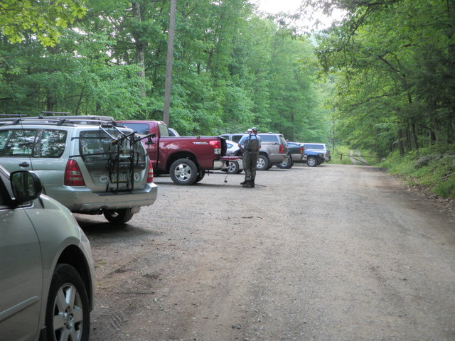 No Kill Parking Lot Fills Up on Thursday for Evening Green Drakes