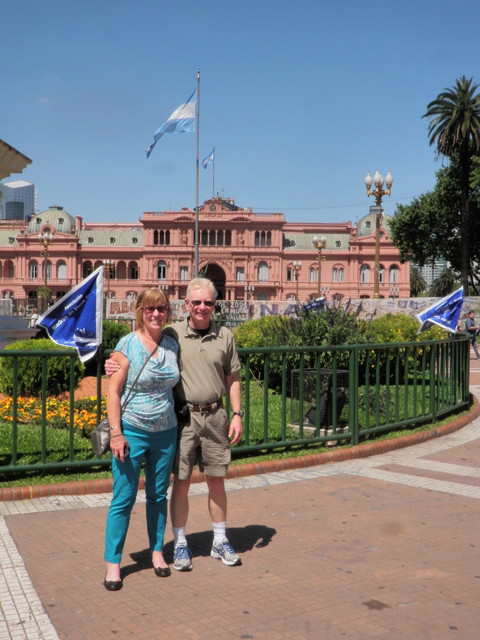 Jane and Dave in Plaza de Mayo