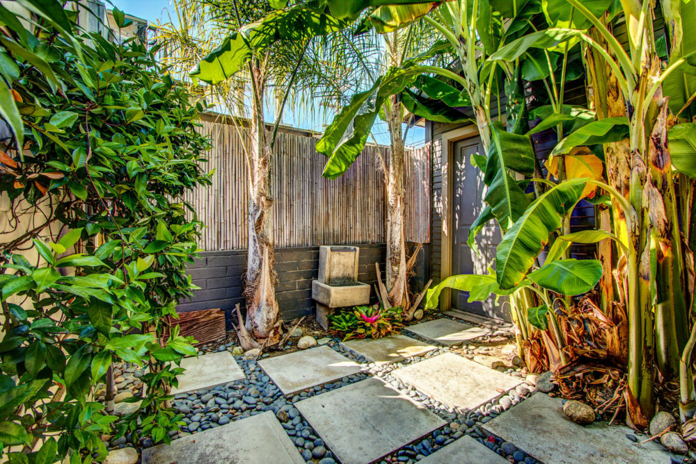 1605 Cabrillo Ave Venice CA-large-028-23-AgoBet0002Upload22-1498×1000-72dpi