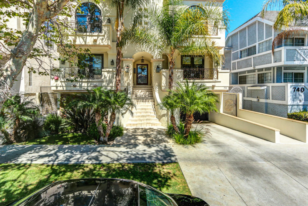 744 N Alfred St Los Angeles CA-large-005-AgoBet0001Upload01-1500×1000-72dpi