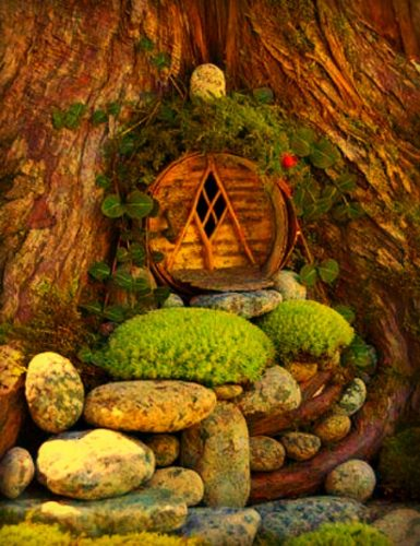 Hobbit house in treeAdd a Hobbit House to your Fairy Garden we will show you how|fairiehollow.com