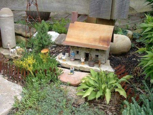 DIY fairy stone house metal roof l| fairiehollow.com