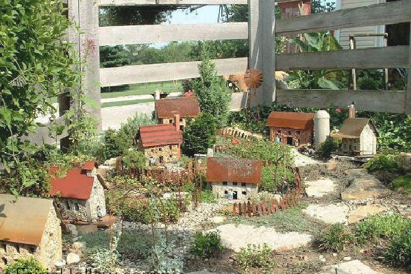 How to make a Fairy Garden with Stone Houses