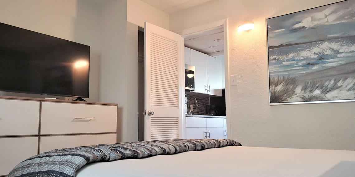 Esplanade Suites 1 bdr bedroom 2 1140×570